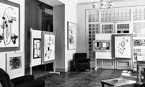 1953, Peggy Guggenheim e Jean Cocteau a Bordighera (IM) per la Seconda Mostra di pittura americana